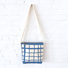 COBALT PICNIC CROSS BODY BAG