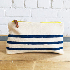 NAVY 3 LINES MAKEUP ZIPPER BAG