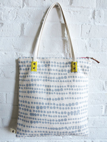 RAINY DAY HILARY MOD TOTE BAG