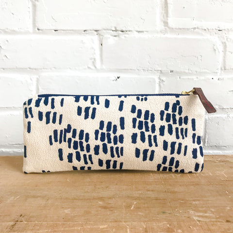 NAVY RAIN PENCIL ZIPPER BAG