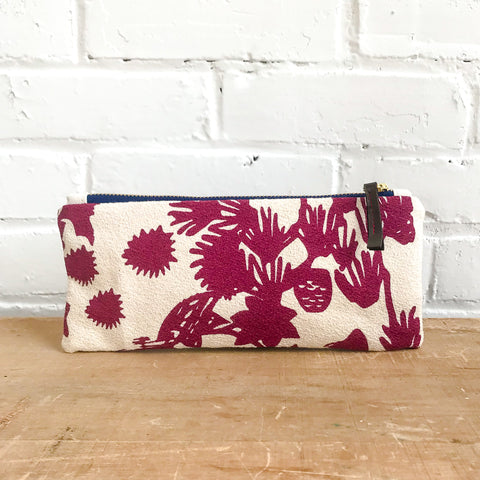 WINE DEEP WOODS PENCIL ZIPPER BAG