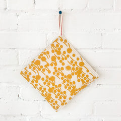 GOLD BERRIES POT HOLDER SET