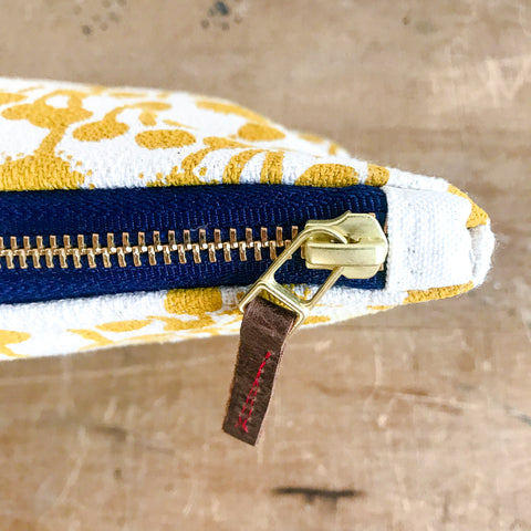 GOLD BERRIES CLUTCH ZIPPER BAG