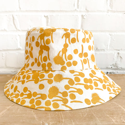 GOLD BERRIES BUCKET HAT