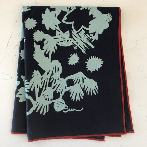 DEEP WOODS LINEN TEA TOWEL IN ROBINS EGG BLUE ON NAVY