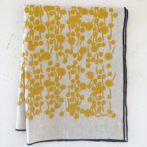 BERRY LINEN TEA TOWEL IN GOLD ON OATMEAL