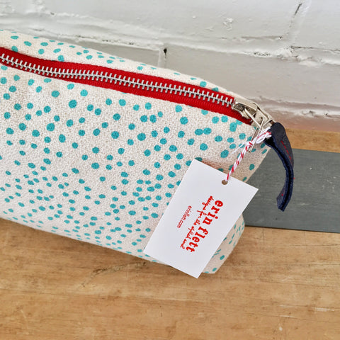 TURQUOISE POLKA DOT ZIPPER BAG