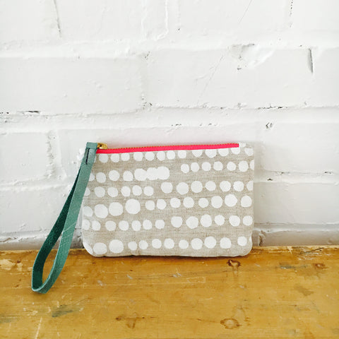 WHITE HILARY ZIPPER BAG