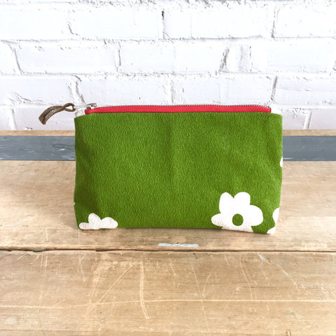 EVERGREEN WILD FLORA ZIPPER BAG