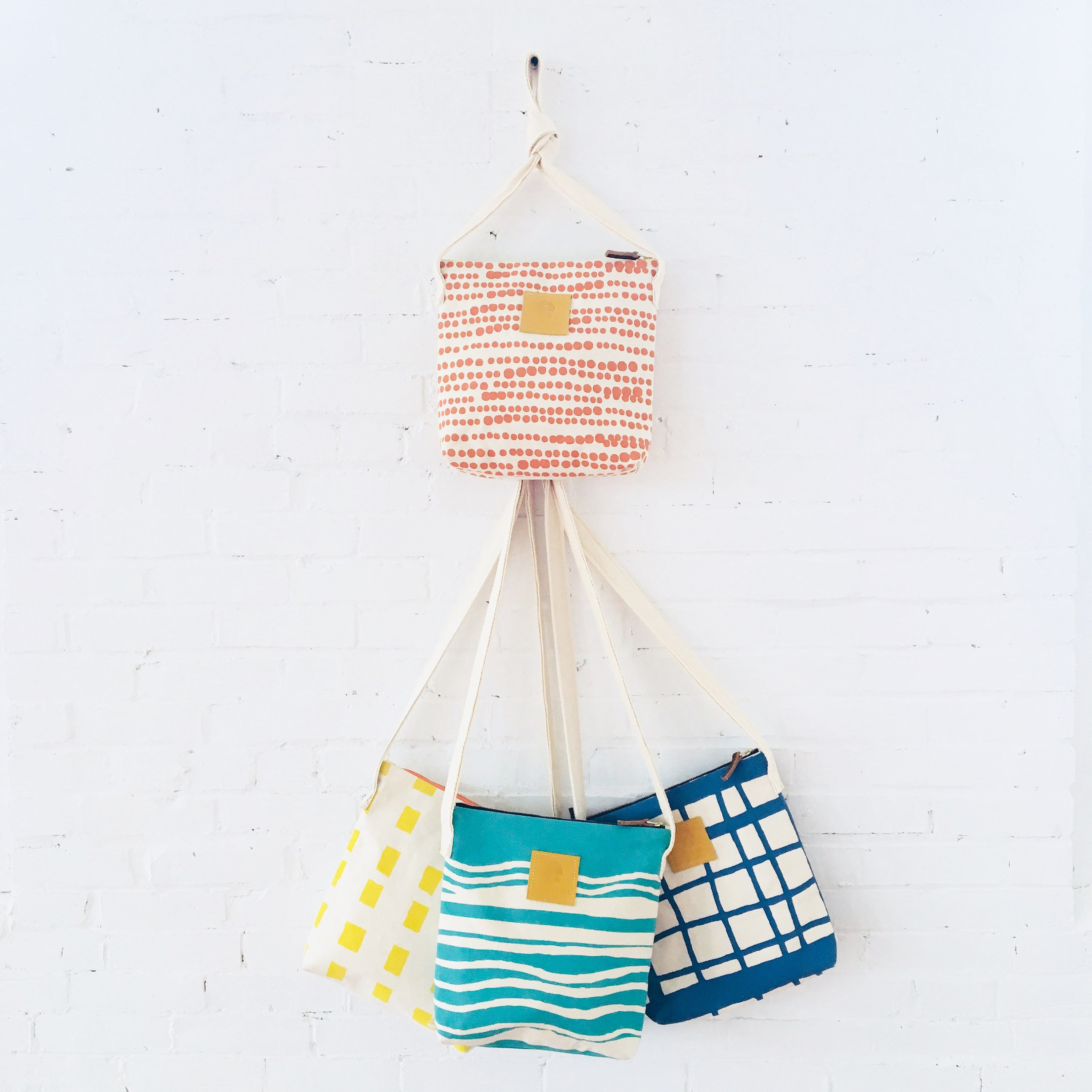 SEA FOAM WIND CROSS BODY BAG