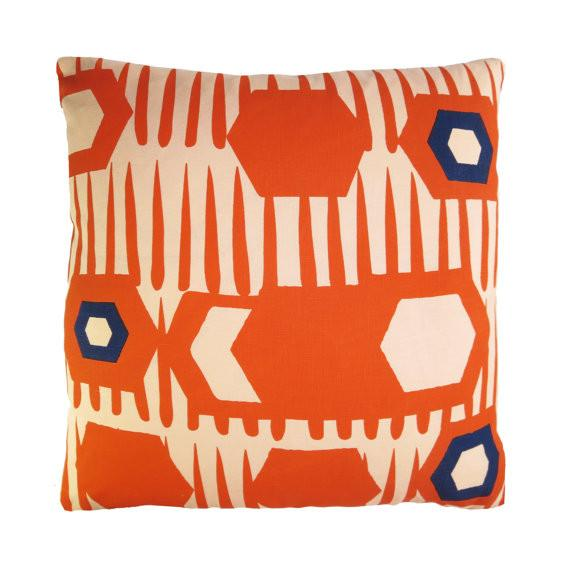 HEXAGON PILLOW COVER IN TOMATO