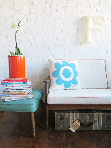 TURQUOISE DAISY PILLOW