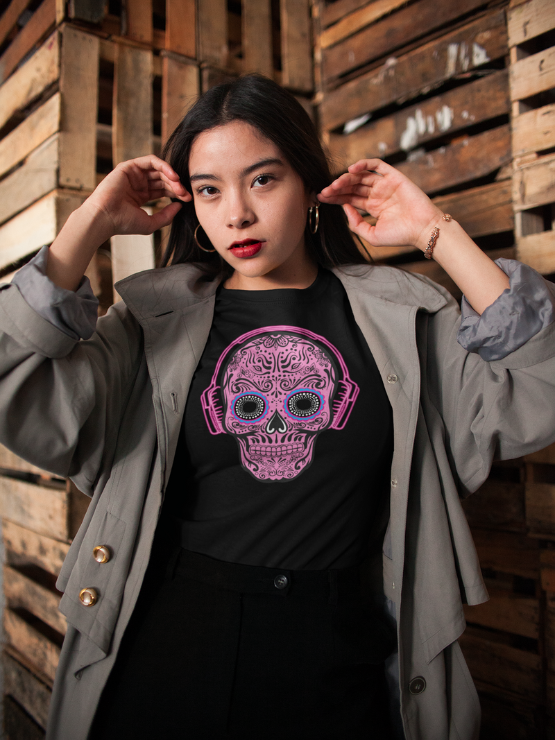 THINK PINK WOMEN'S SKULL T-Shirt