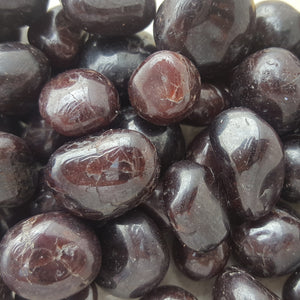 Garnet Tumbled Small 250gm