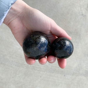 Black Tourmaline - Sphere 1pc