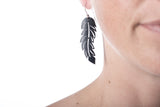basic feather earring