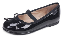"Garvalin ""Bailarina"" Basic in patent and plain leather with a bow"