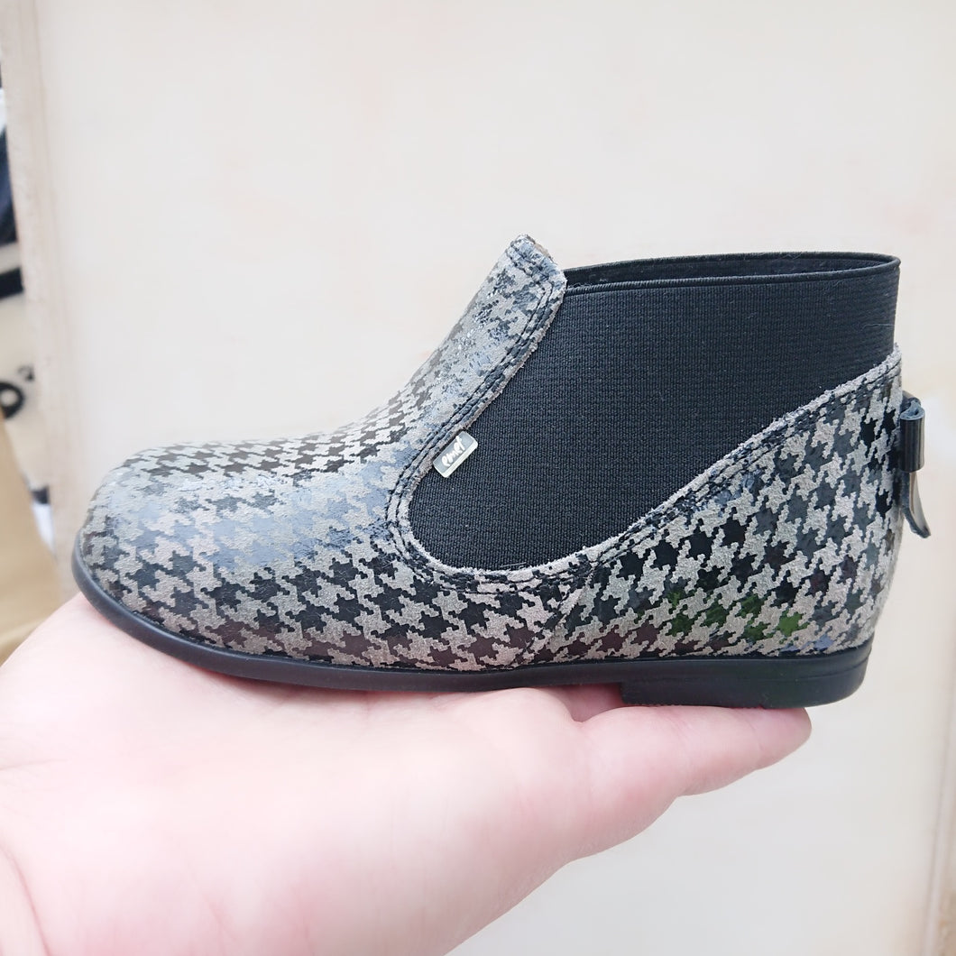 Emel Black&White Check Boots with bow