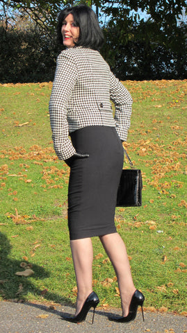 Sarah of RoSa Shoes in Knee Length Little Black Hobble Skirt
