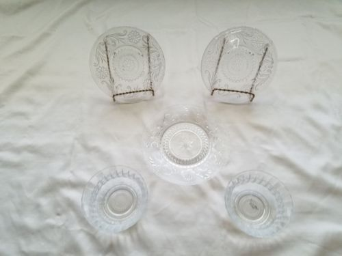 Vintage Tiara design Plates and small bowls (Set of 5)