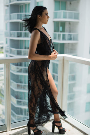 Sleeveless Lace Maxi Robe - Black
