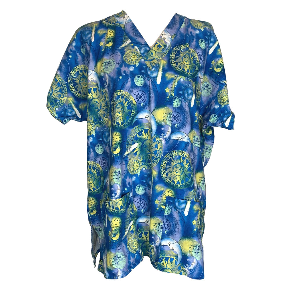 SCRUBS V-Neck Sun and Moon Print Top >> Patterned, Large
