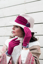 Powder Betty Wool Gloves In Fuchsia
