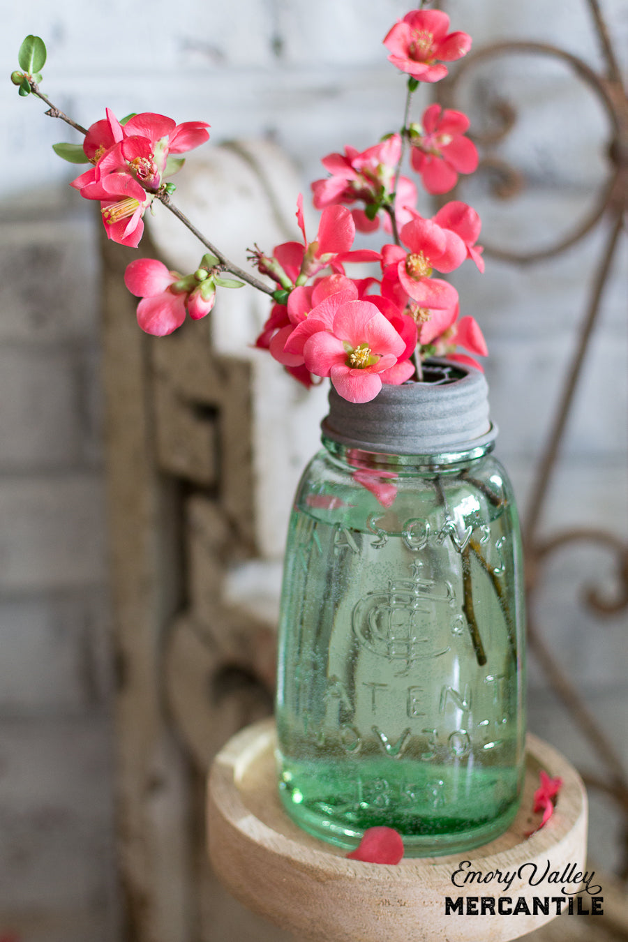 Pint Mason Jar with Flower Frog Lid