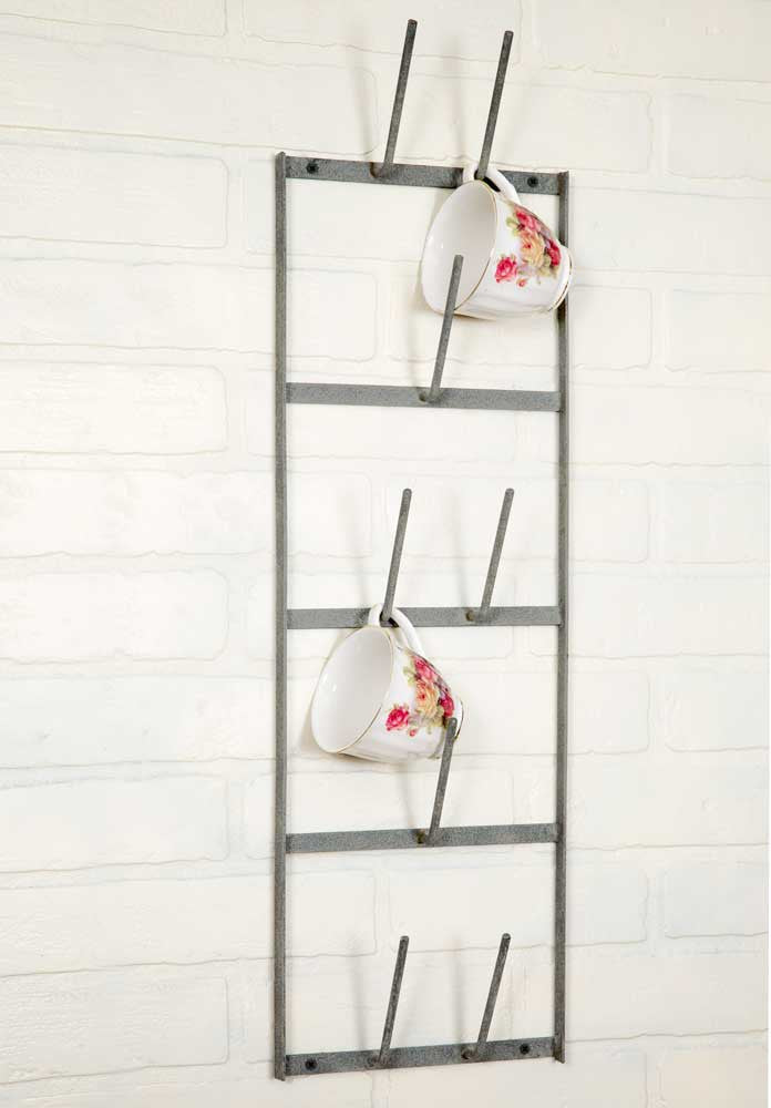 Metal wall mounted drying rack