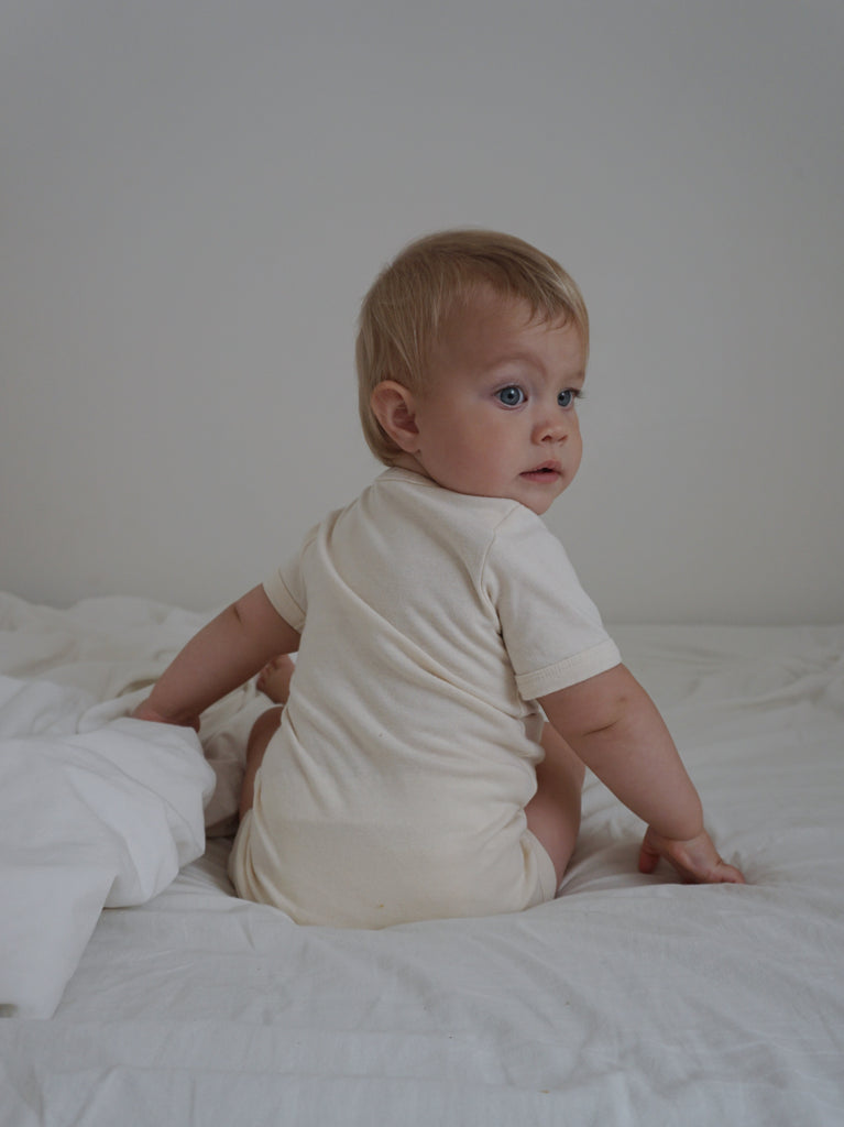 Axel Short Sleeve Envelope Onesie - Natural