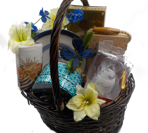 SYMPATHY BASKET-WITH HEARTFELT SYMPATHY