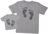 Baby And Daddy Footprints - Passende Vater Baby Geschenkset Baby T Shirt