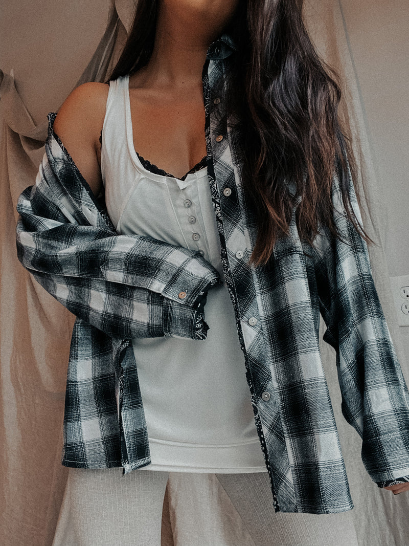 Boyfriend Flannel: Black
