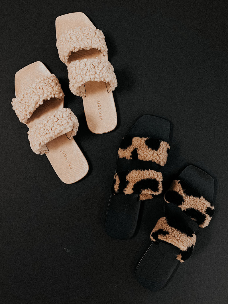 The Nicole Sandals: Tan
