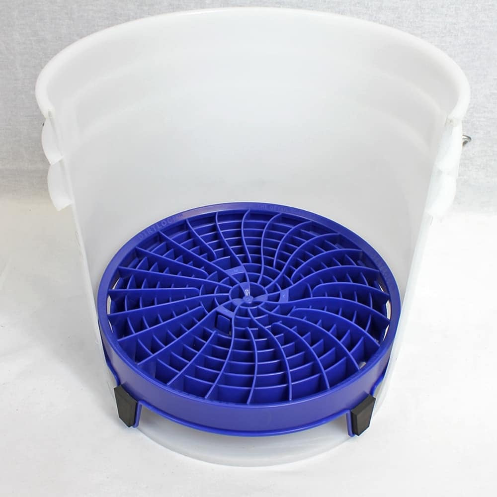 Dirt Lock Bucket Insert
