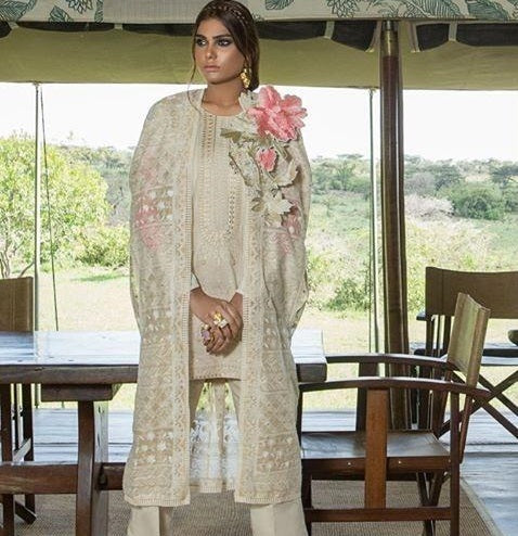 PAKISTANI SUITS WITH CHIFFON DUPATTA