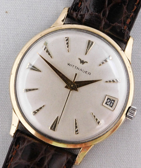 Wittnauer Vintage 1960's Ivory Dial Manual Wind Pre-Owned Mens Watch....34mm