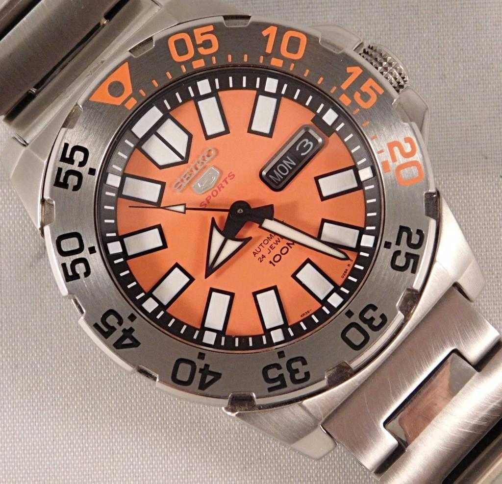 Seiko Baby Orange Monster Automatic Stainless Steel SRP483 Mens Watch....43mm