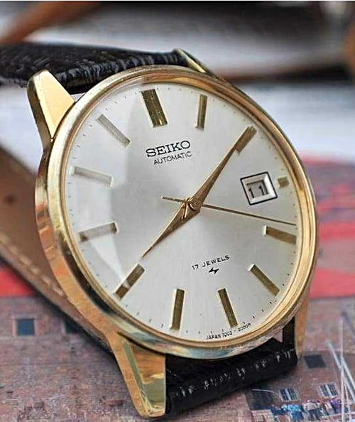 Seiko 7005-2000 Date Automatic Movement Vintage 1970's Mens Watch....36mm | The Vintage Outlet