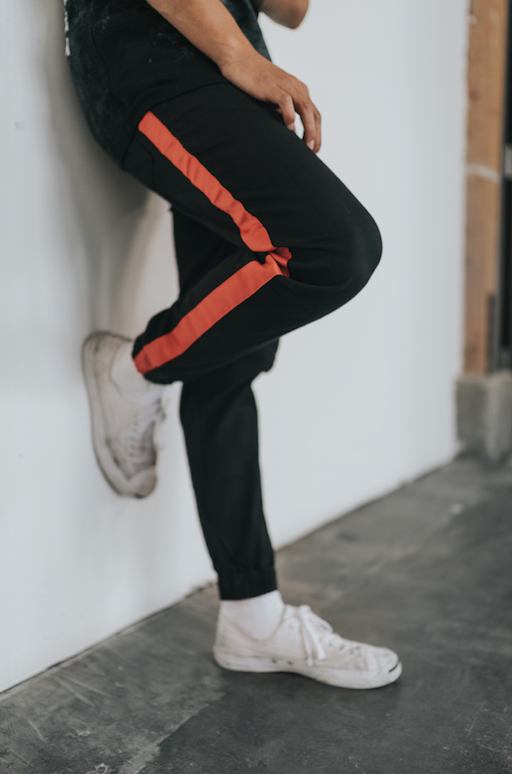 RED TAPERED JOGGERS