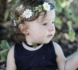 Sunflower choker on black velvet // gypsy 90s boho baby
