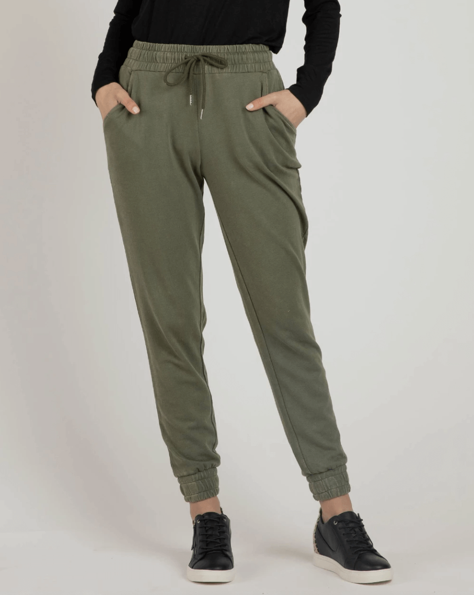 Betty Basics Coco Pants in Fern BB736W21