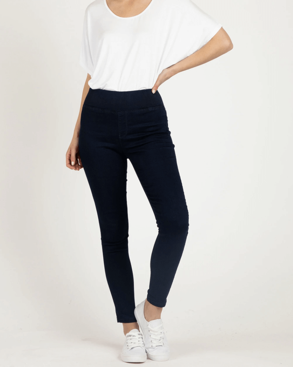 Betty Basics Miller Stretch Jean in Black BB837W21