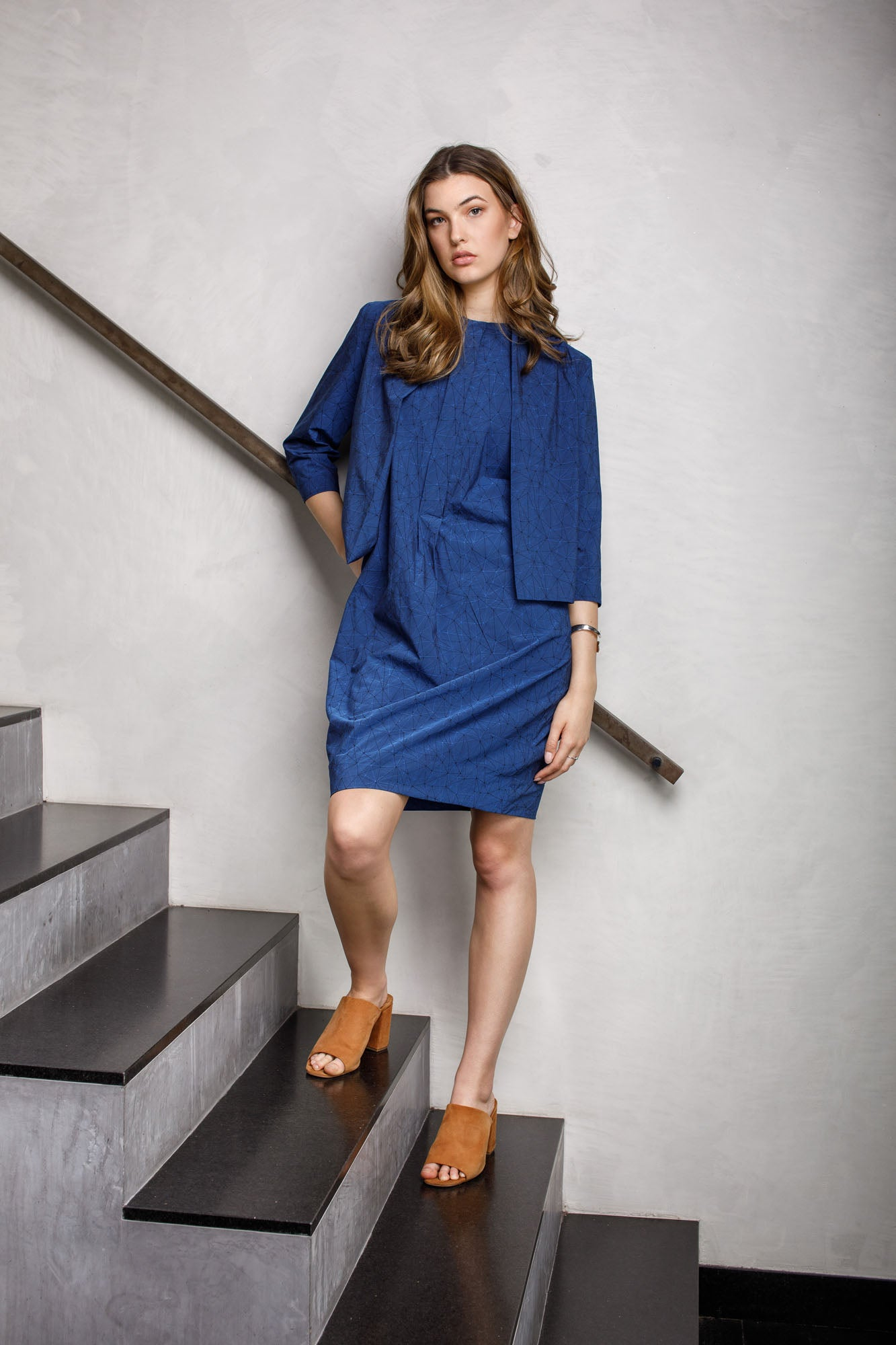 Indigo Geometric Tab Front Shift 6228