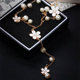 Flower And Pearl Tassel Necklaces (white)