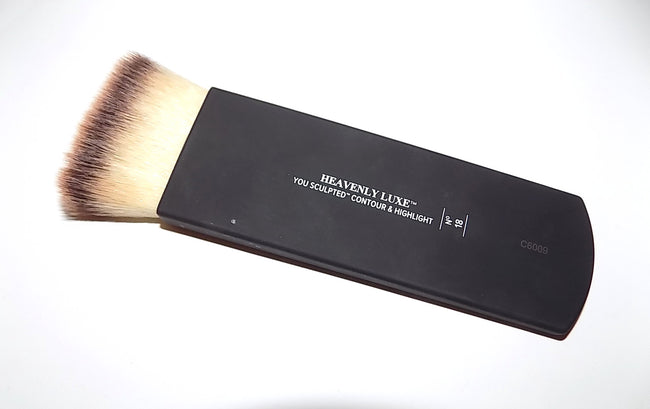 It Cosmetics Heavenly Luxe no 18 You Sculpted Contour and Highlight brush