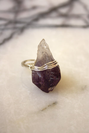 Native Riot - Oracle Crystal Ring in Amethyst - Silver