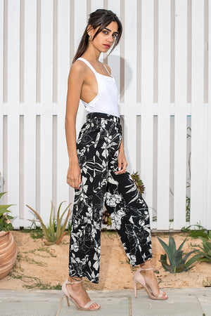 Queencii – Aria High Waist Floral Pants