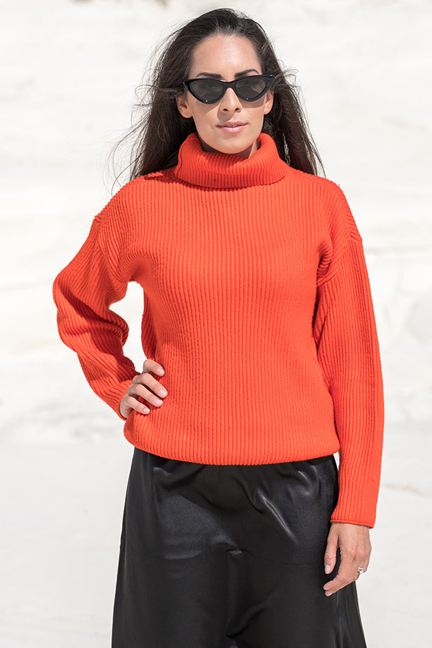 Queencii – Sarah High Collar Sweater Orange Red