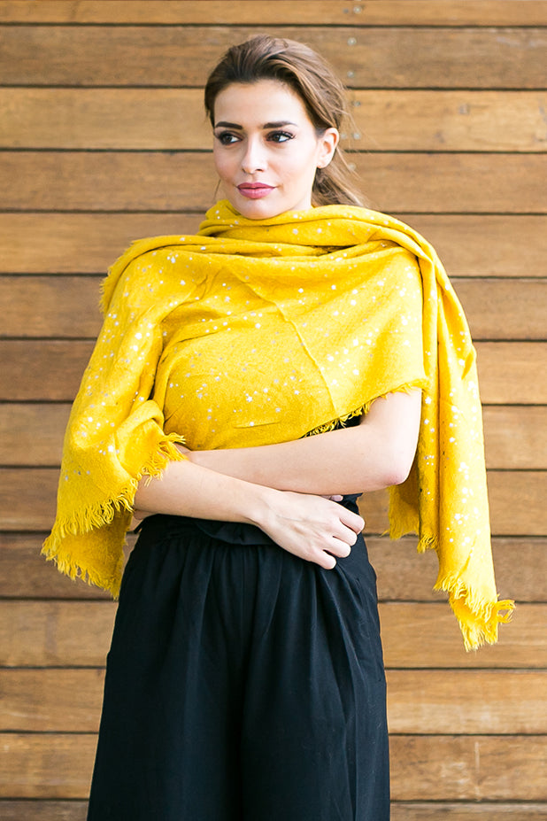 Yellow scarf sparkling stars